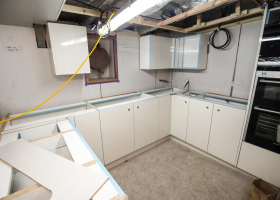 Kitchen fitting in the galley